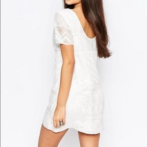 Abercrombie embroidered shift dress w/ lace detail